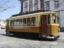 800px-Electrico_Porto_208