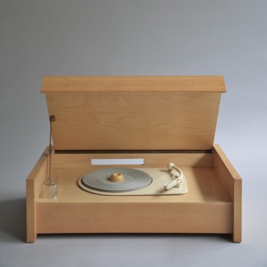 Hans Gugelot, Braun record player G 12 Valvo chassis, 1955
