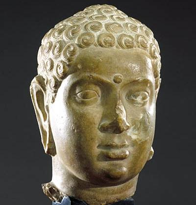 Tête de Buddha Vallée de la Krishnâ - Andhra Pradesh (Sud-Est de l'Inde)  Ecole d'Amarâvatî, IIe siècle AD Musée Guimet, MG 17003