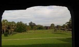 Angkor Vat vide à 8h du matin © Louise Ganesco Deglin - JBMT