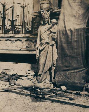 Thérèse Jean Baptiste Augustin Mestral, Statue de Vierge à l'Enfant, 1853-1854, photographie papier salé (Cité de l'Architecture et du Patrimoine, Paris. ©CAPA/M.M.F.