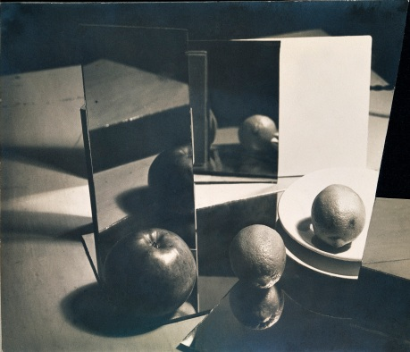Composition Nature morte, 1929, Florence Henri © Galleria Martini & Ronchetti